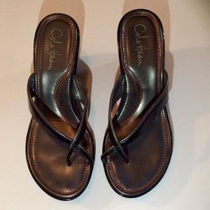 Immaculate condition COLE HAAN CRIS CROSS sandal